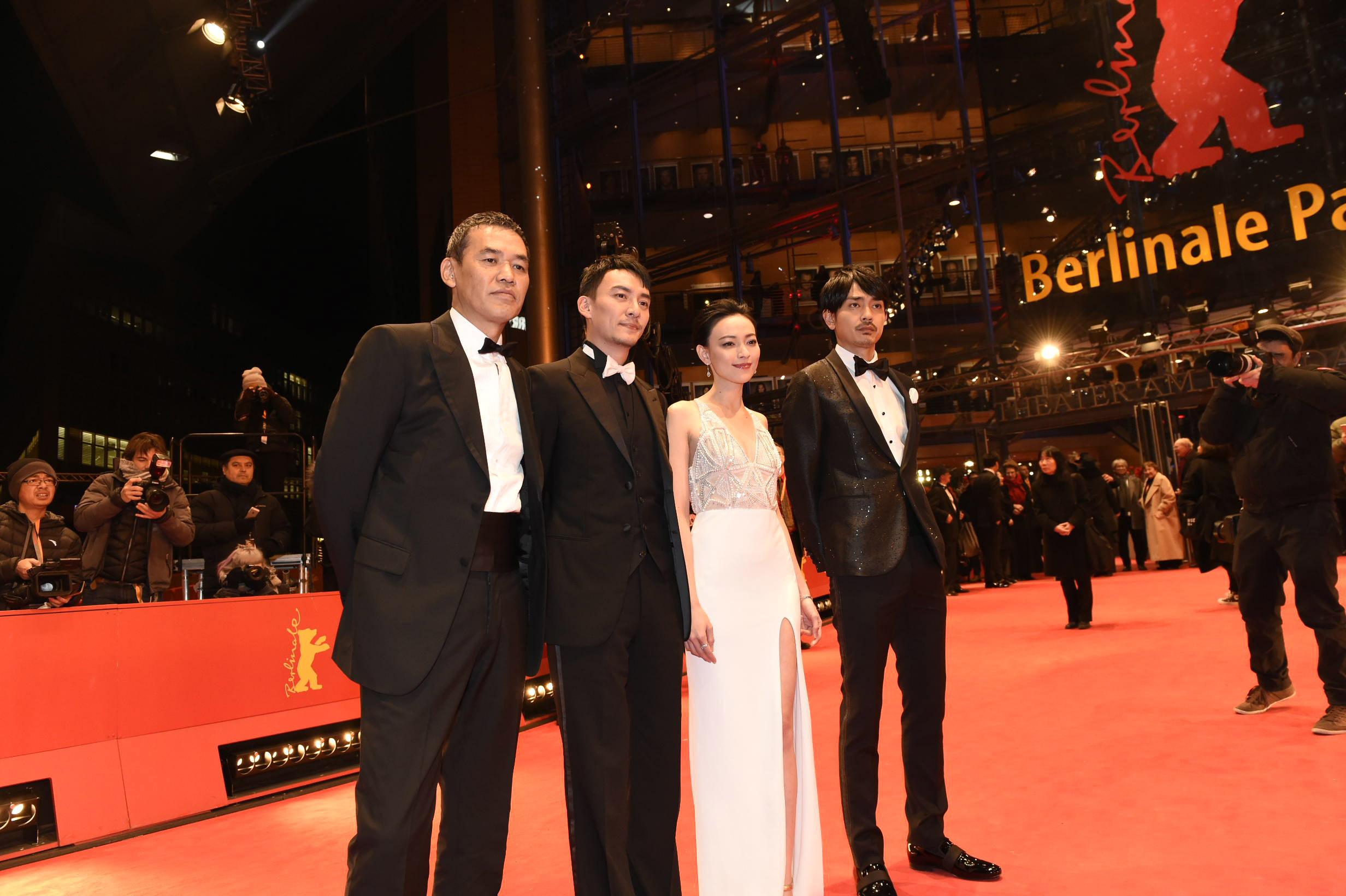 左から、SABU監督、チャン・チェン、レブン・ヤオ、青柳翔(劇団EXILE)