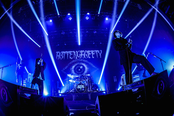 ROTTENGRAFFTY「Live Is Beautiful Tour 2015-2016」東京・豊洲PIT公演の様子。(Photo by HayachiN)