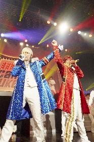 """アルスマグナの神生アキラと泉奏による新ユニット""""me can juke""""が、80'sアイドル色に染めた初ワンマンを開催"""