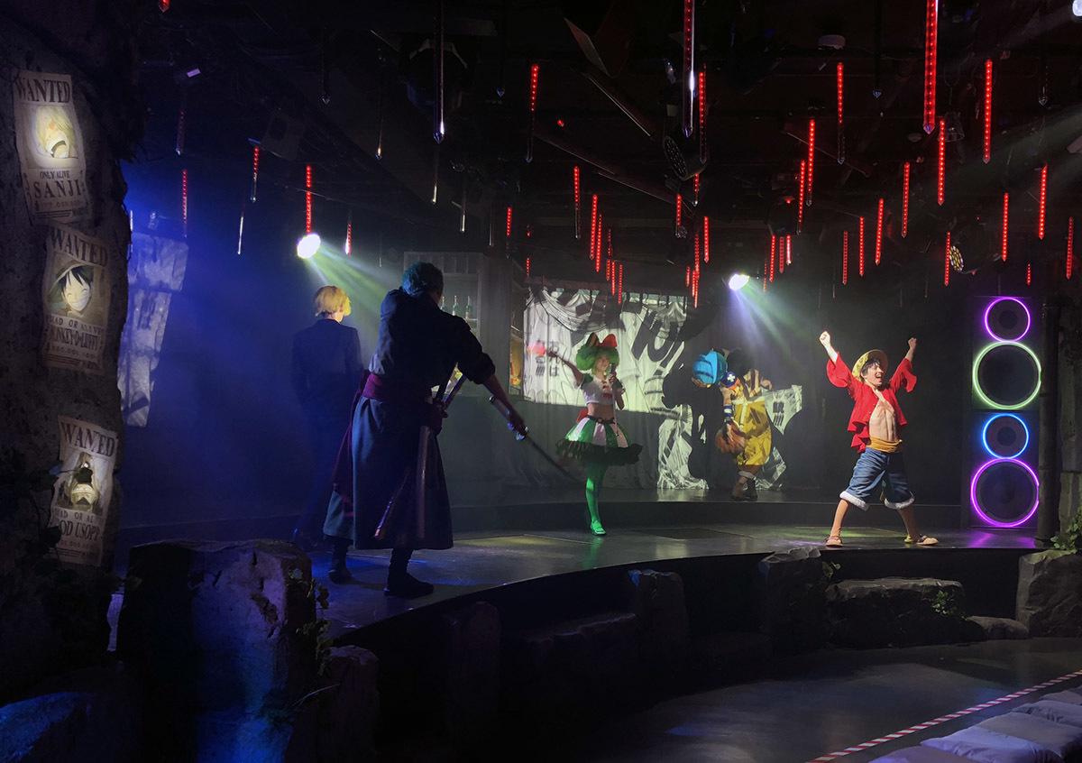 中央にいる女の子がオリジナルキャラの「歌姫・アン」