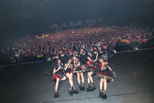 ベイビーレイズJAPAN「『EMOTIONAL IDOROCK FES. 2017』~僕らはここにいる!~<THE BRJ SUPER LIVE>」東京・新木場STUDIO COAST公演の様子。(写真提供:ポニーキャニオン)