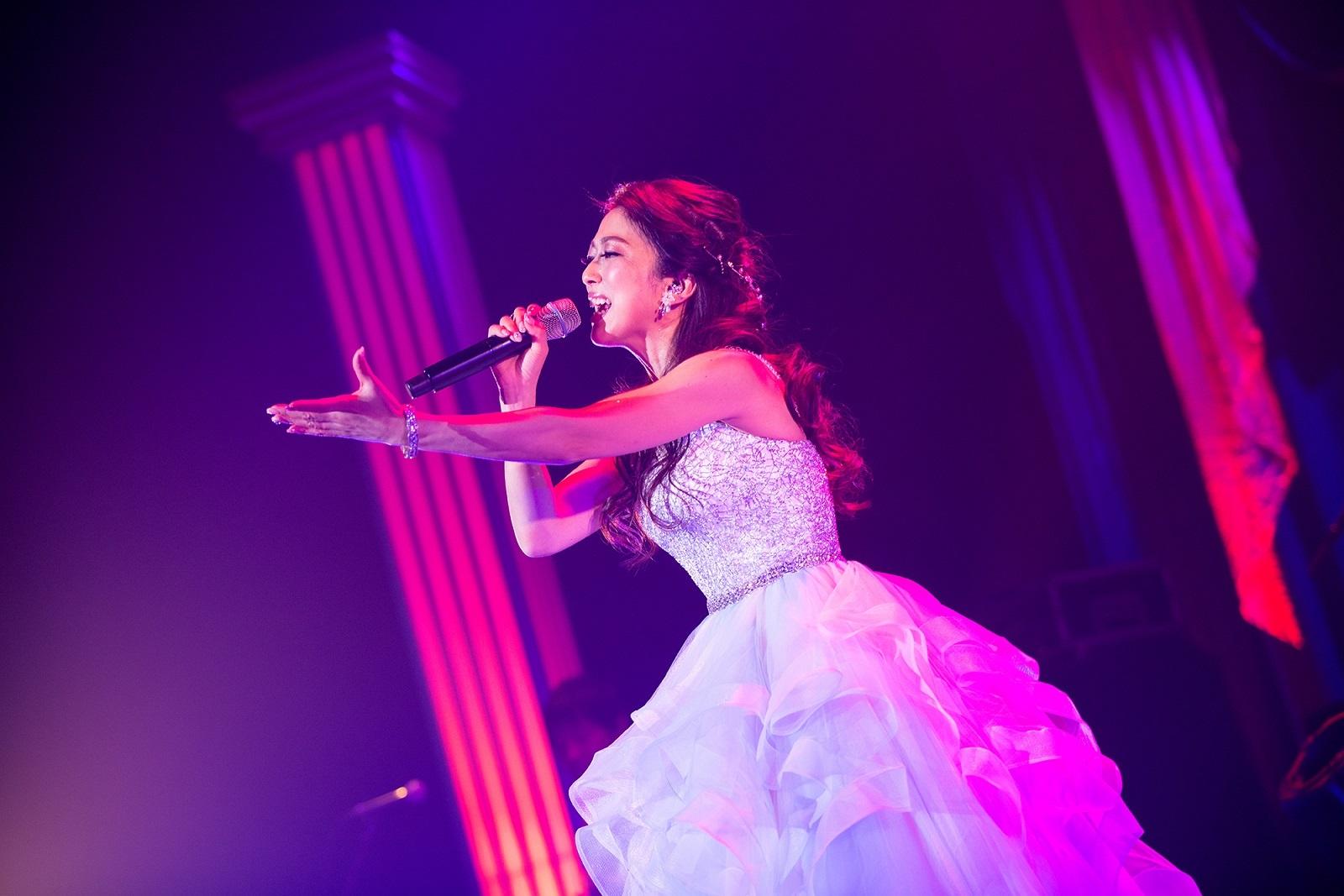 アニソンシンガー「Lia」キャリア初のアコースティックライブが開催 ...