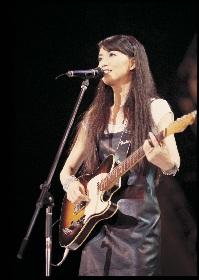 竹内まりやのニューシングル「小さな願い/今を生きよう(Seize the Day)」が発売 シアターライブの最新予告編、「プラスティック・ラブ」のライブ映像も初公開