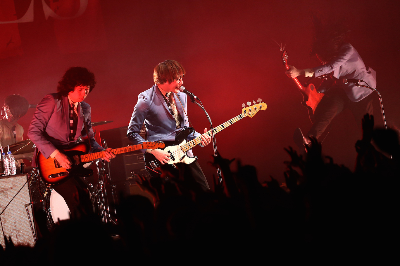 THE BAWDIES  Photo by 鈴木公平