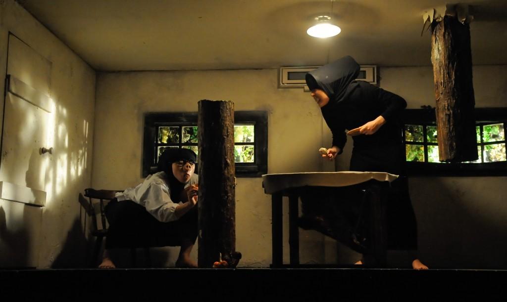 はこにわでの『苛々する大人の絵本』 撮影:杉能信介