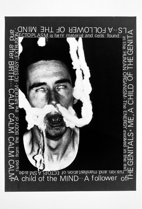 エクトプラズム#1 心の中の子ども「ポルターガイスト」シリーズより 1979年  Art (c) Mike Kelley Foundation for the Arts. All rights reserved/Licensed by VAGA, New York, NY