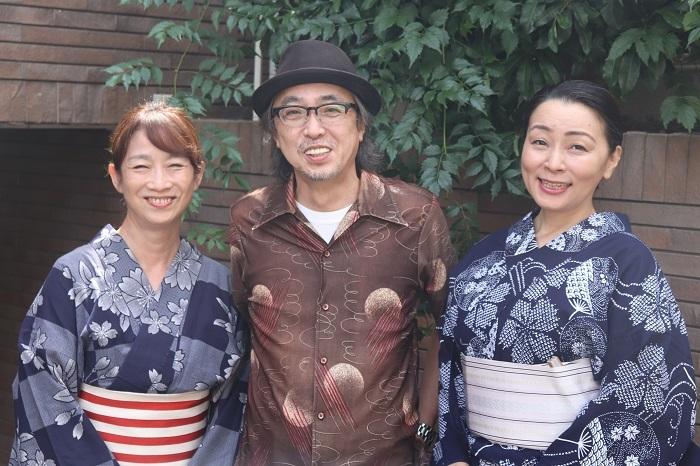 西瓜糖第8回公演『ギッチョンチョン』 左から山像かおり、寺十吾、奥山美代子