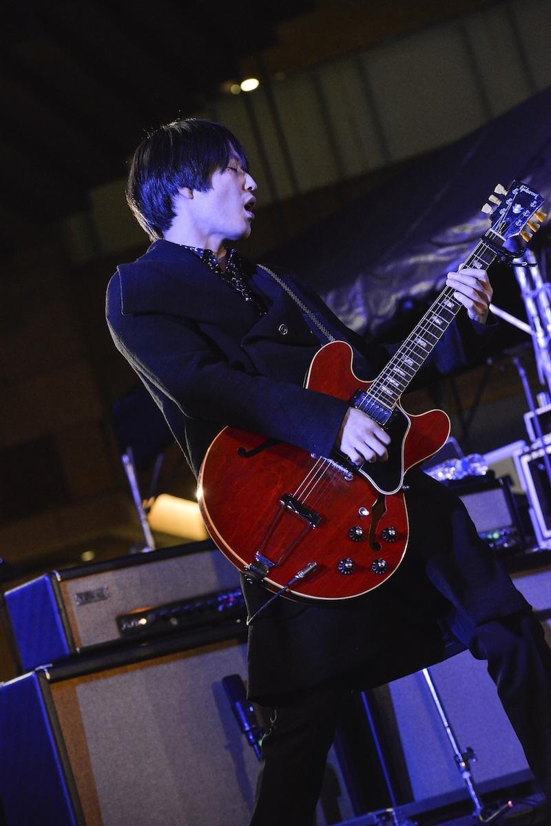 [Alexandros] photo by AZUSA TAKADA