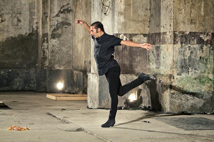 イスラエル・ガルバン『SOLO』 (C)Luis Castilla 写真提供:Dance Base Yokohama