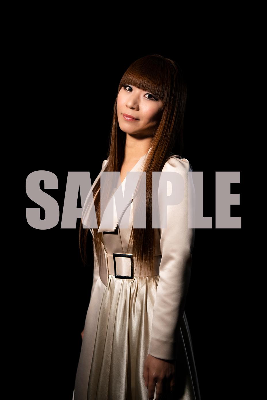 TSUTAYA RECORDS(※一部店舗除く)TSUTAYAオンライン L判ブロマイド(複製サイン&コメント入り彩音撮り下ろし写真)
