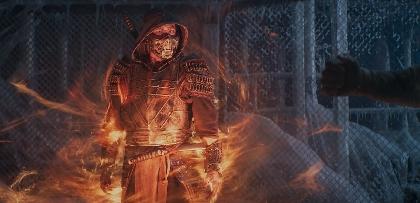 真田広之=忍者スコーピオンが復讐に(物理的に)燃え、浅野忠信=ライデンの眼が光る 映画『モータルコンバット』場面写真を一挙解禁