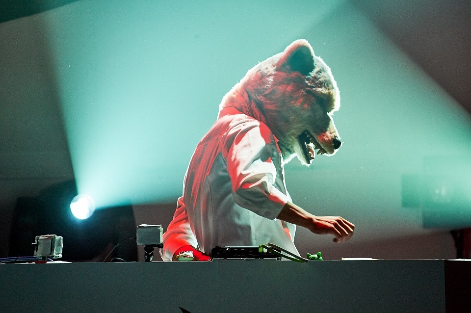 """MAN WITH A MISSION『MAN WITH A """"REBOOT LIVE & STREAMING"""" MISSION』 撮影=酒井ダイスケ"""