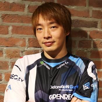 板橋ザンギエフ選手