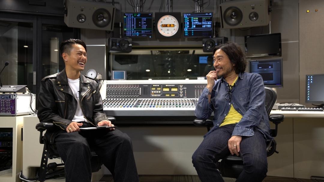 左から、今市隆二(三代目 J Soul Brothers from EXILE TRIBE)とトータス松本(ウルフルズ)