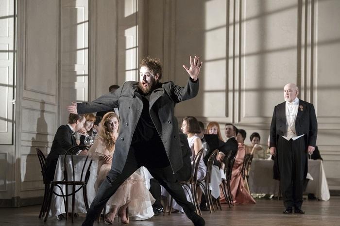 『ハムレット』 (C) Richard Hubert Smith/  Glyndebourne Festival