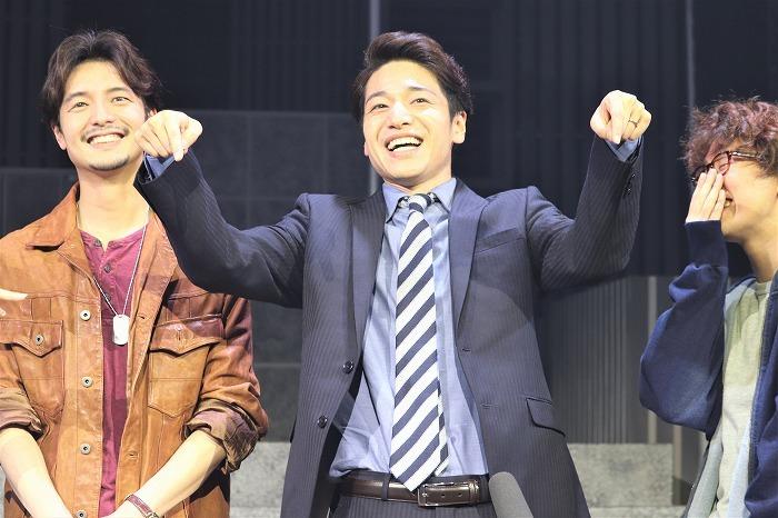 「お問い合わせはこちらまで」とTV番組風の仕草で笑わせる福田さん