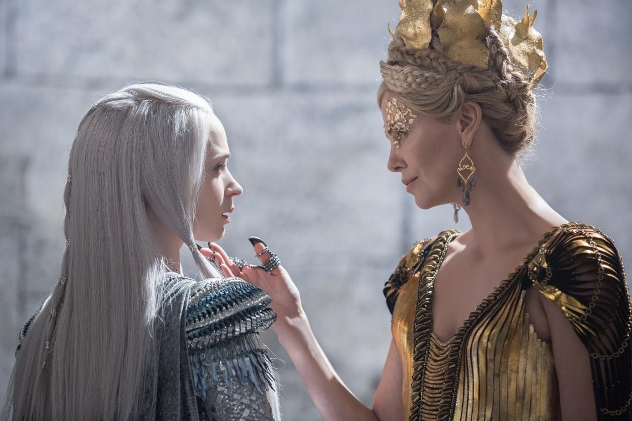 映画『スノーホワイト/氷の王国』 (C) Universal Pictures