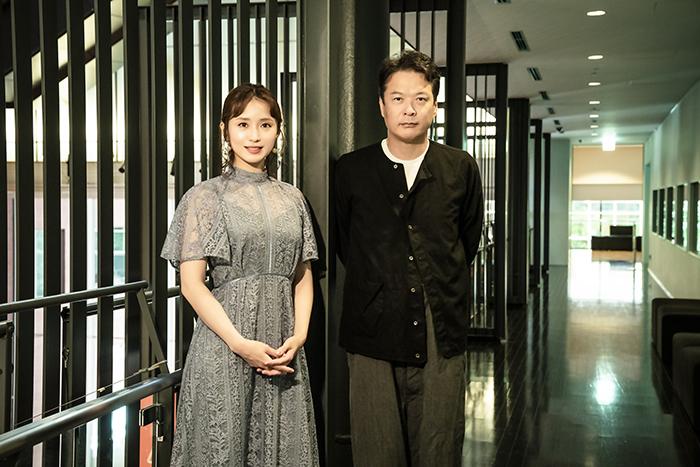 (左から)笹本玲奈、田中哲司