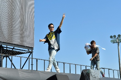 コブクロ、ファン2万5千人全員と「桜」を大合唱 小渕健太郎の地元・宮崎を結成20周年記念ライブで飾る