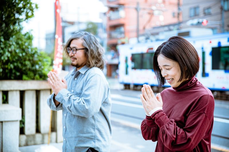 「成功祈願しとこっか」(安藤玉恵)「祈っときましょう」(大谷皿屋敷)