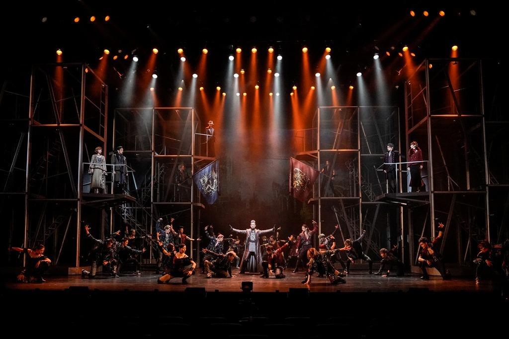 ミュージカル『ロミオ&ジュリエット』舞台写真  (C)岡本隆史