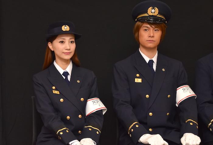 最初は少し緊張した面持ちの浦井健治と夢咲ねね(右から)