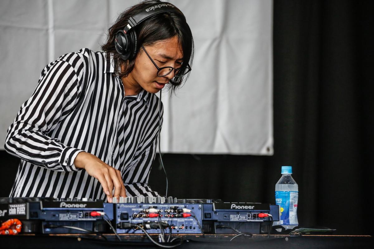 DJ岩瀬ガッツ with スベリーマーキュリー Photo by 鈴木公平