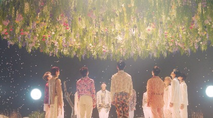 SEVENTEENだけの柔らかさと美しさを表現した「舞い落ちる花びら (Fallin' Flower)」MV公開
