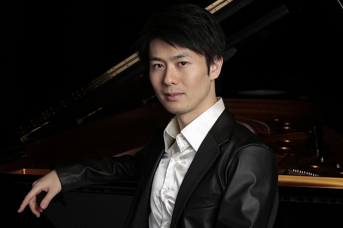 ピアノ:福間洸太朗  (C)Marc Bouhiron