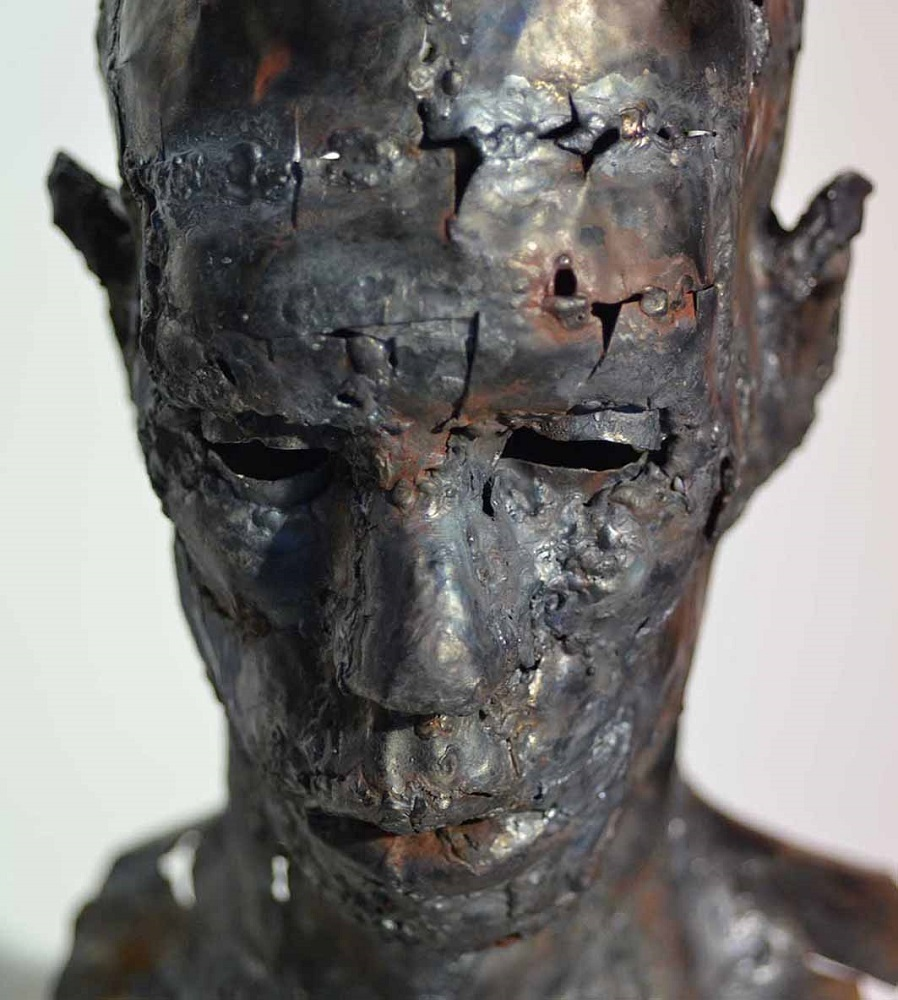 ヨヴァナ・トゥーツォヴィッチ【Male Portrait】 2014年 41×22×26cm 金属