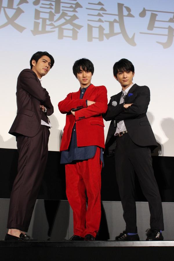 左から、賀来賢人、山﨑賢人、吉沢亮
