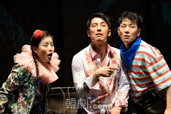(写真左から)スンイ役のキム・ユンジ、カン社長役のチ・ヒョンジュン、ビョング役のチョン・ウォニョン