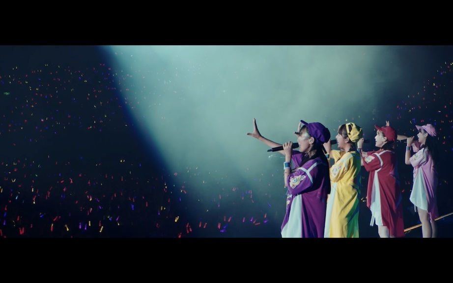 「Re:Story」Music Video LIVE ver.より