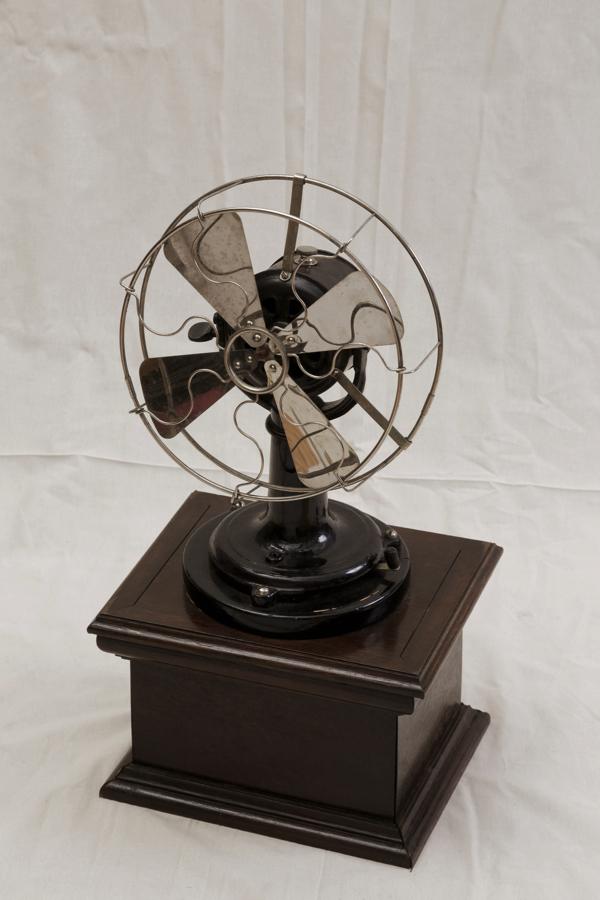 「電気扇」 所蔵:国立科学博物館