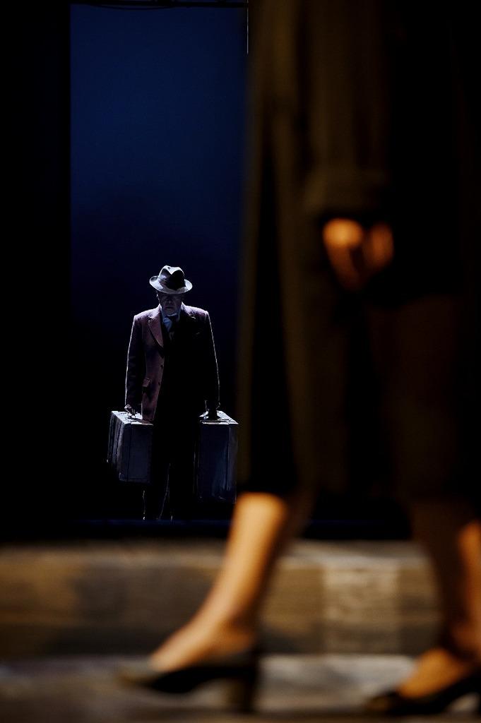 KAAT 神奈川芸術劇場プロデュース『セールスマンの死』(2018年上演)  撮影:細野晋司
