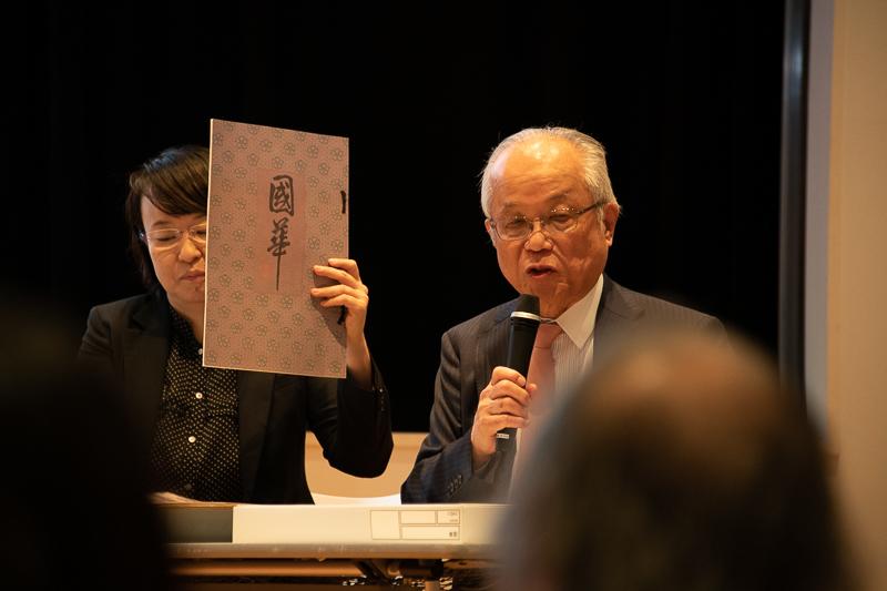(左から)長屋光枝氏、小林忠氏