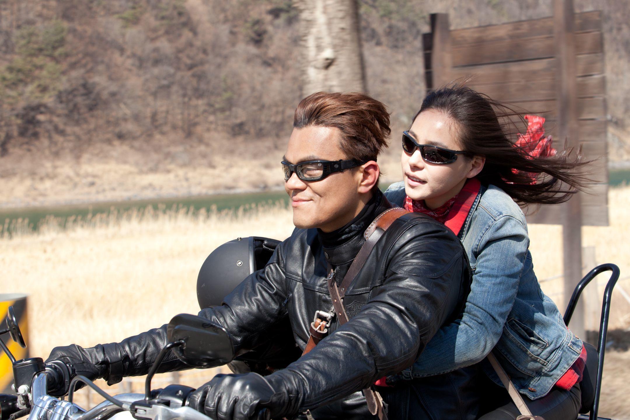 『ミリオネアオンザラン』 (C)2012 CJ E&M CORPORATION, ALL RIGHTS RESERVED