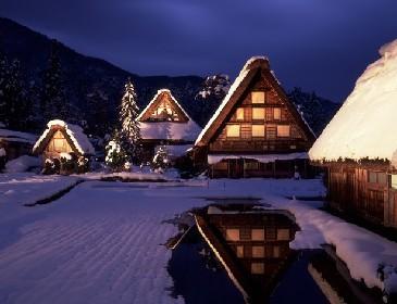 世界遺産・白川郷の雪景色に感動!ライトアップも