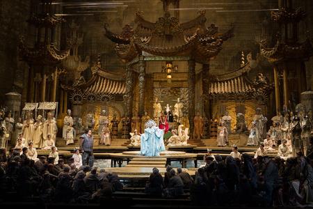 プッチーニ《トゥーランドット》 舞台写真:(C)Marty Sohl/Metropolitan Opera