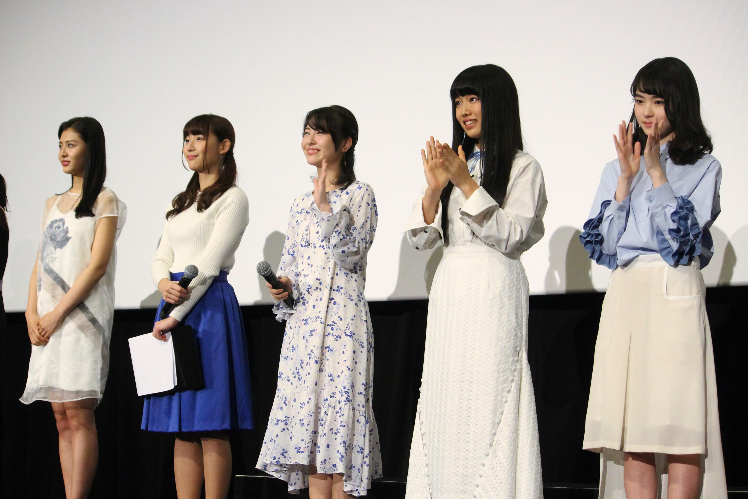 左から、古畑星夏、浅川梨奈、浜辺美波、廣田あいか、山田杏奈