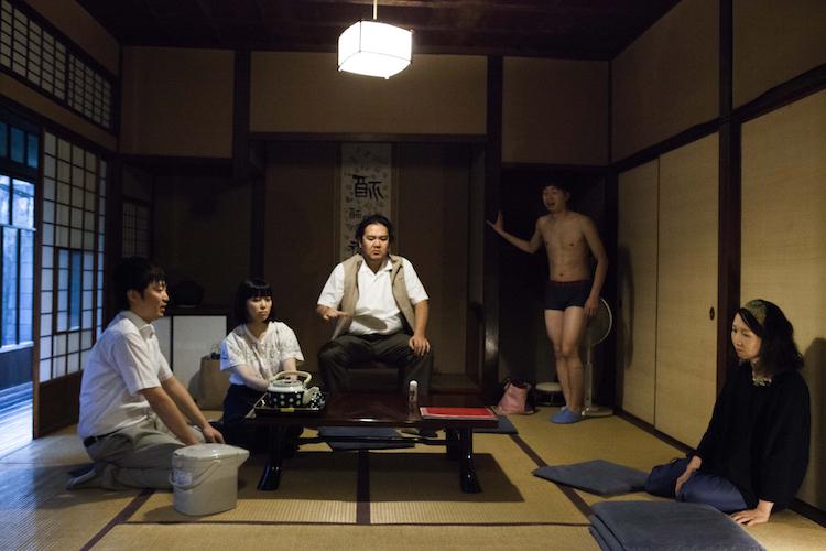 水素74%『花火』(2017年)より  撮影:伊藤佑一郎