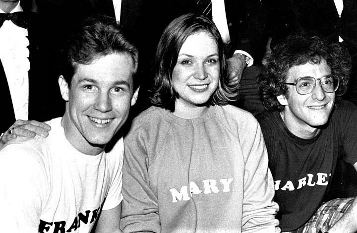 『メリリー・ウィー・ロール・アロング』、1981年のブロードウェイ初演キャスト。左からジム・ウォルトン(フランク)、アン・モリソン(メアリー)、ロニー・プライス(チャーリー) Photo Courtesy of Jim Walton