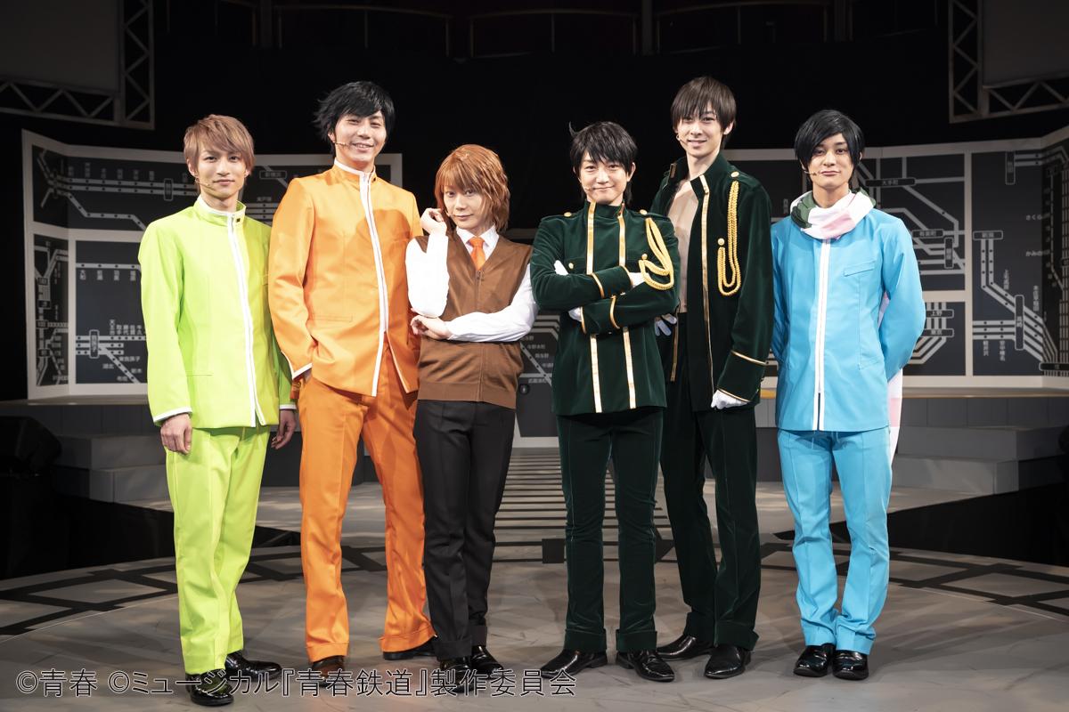 左から、木戸邑弥、郷本直也、KIMERU、永山たかし、田中涼星、高崎翔太