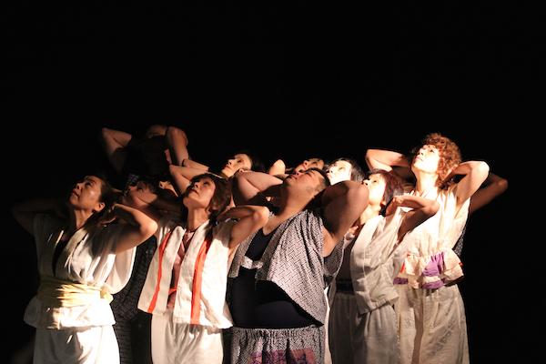 とりっとダンス[鳥取]『ワタシと 少し違うところにたつ私』  『日はまた昇るのなら』撮影:中島伸二