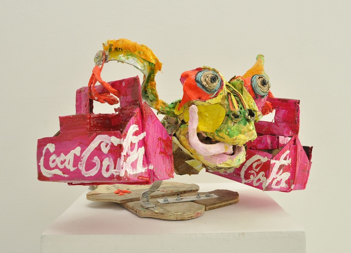 Ushio Shinohara《Coca Cola Delivery Frog》 Cardboard, wire, wood and plastic 2014 Courtesy of Tokyo Gallery+BTAP