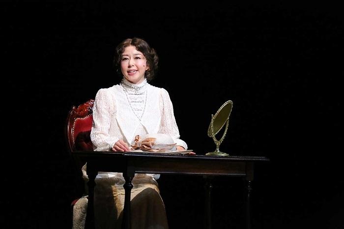 初演舞台写真より 撮影:宮川舞子 提供:ホリプロ