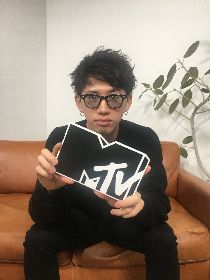 ONE OK ROCK・Takaが視聴者からの100の質問に回答