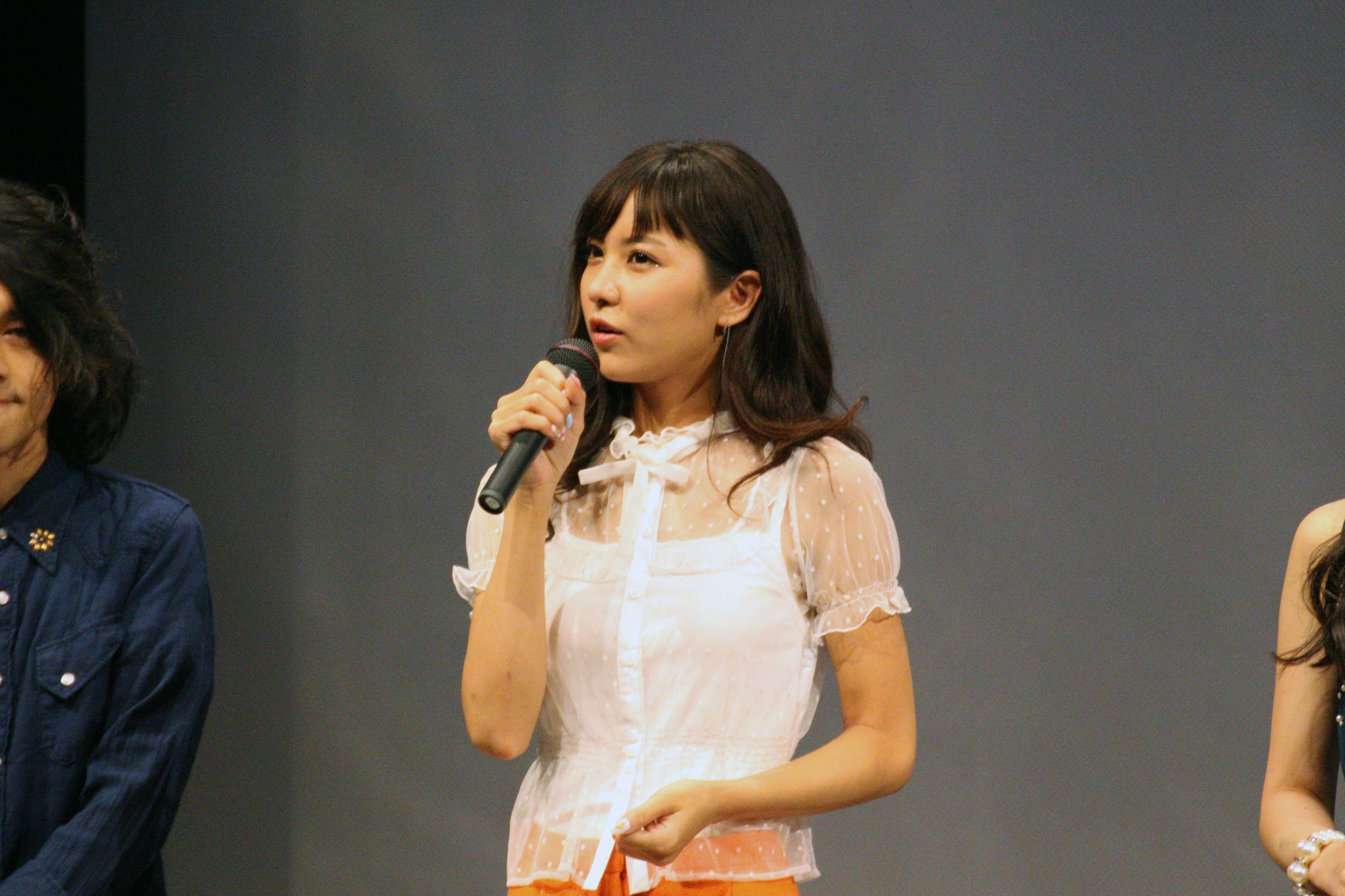 石川恋は「どうしても舞台あいさつに参加したい」と別の現場から駆けつけた