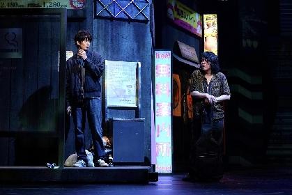 三浦大輔(作・演出)、岡田将生、峯田和伸、寺島しのぶのコメント&舞台写真が到着 舞台『物語なき、この世界。』開幕