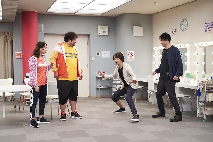 (左から)ソニン、勝矢、井上芳雄、平方元基